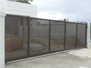 Verjas y portones de metal for Fotos de piscinas modernas en puerto rico
